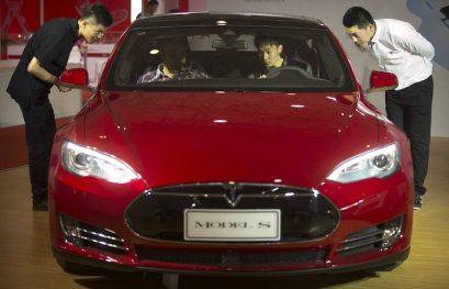 Tesla Seeks Information on Model S Fatal Crash in China