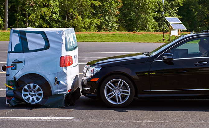 Why Your Next Car Should Have Forward Collision Warning