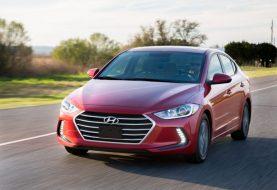 2017 Hyundai Elantra Review: Photo Gallery