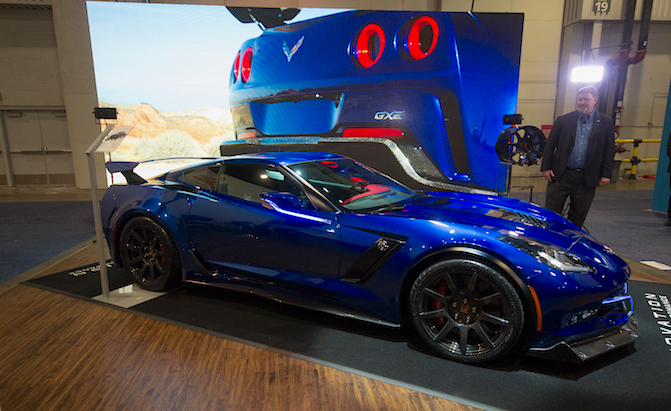 The Genovation Gxe Is An 800hp Electric Corvette With A Manual Guide