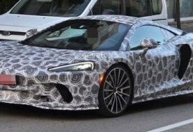 McLaren GT Spotted in Traffic, Shown Production Design Details