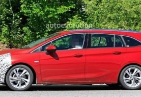 2020 Opel Astra Wagon Spied With Mild Facelift, Getting Ready for Peugeot Tech
