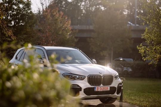 Nine Ways in Which The 2019 BMW X5 (G05) Demolishes The BMW X5 (F15)