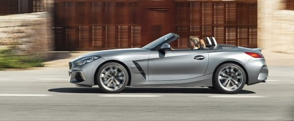 Entry-Level BMW Z4 sDrive20i Now Available With Manual Transmission