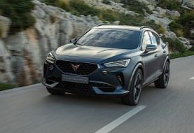 Cupra Formentor Takes to the Streets for the First Time, Gets Caught on Camera