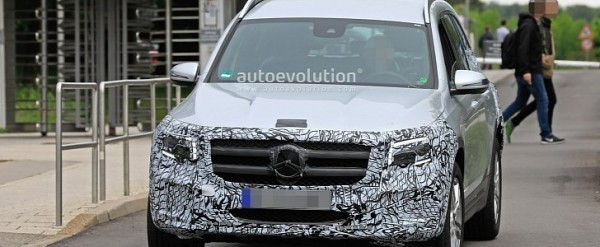 2020 Mercedes GLB-Class Spied Wearing Less Camo