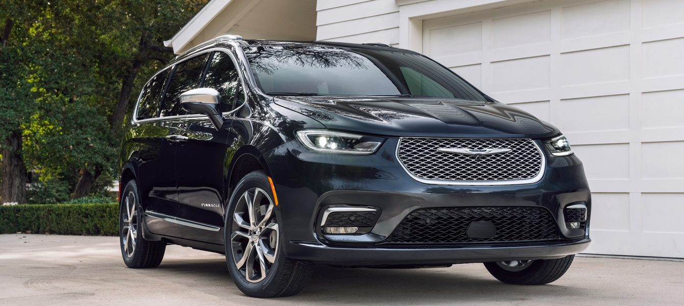 2021 Chrysler Pacifica Adds All-Wheel Drive, More Luxurious Pinnacle Trim