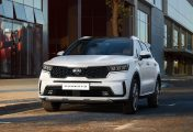 2021 Kia Sorento Revealed with Sharp New Look