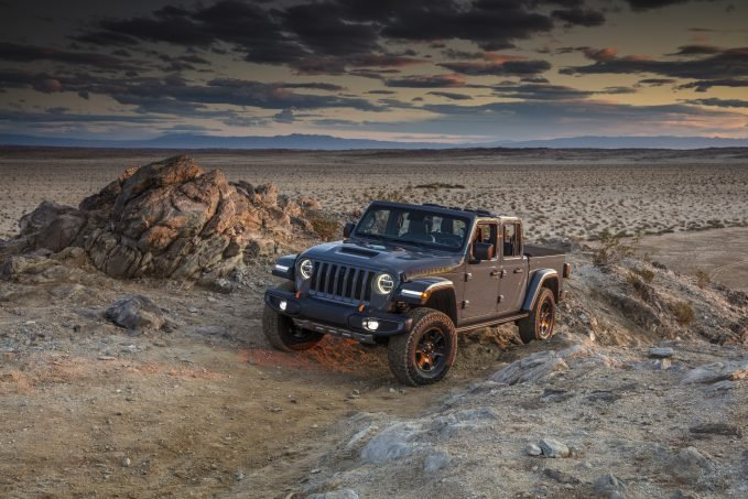 2021 Jeep Gladiator gets 442 lb-ft Diesel Engine, Rock Crawling Now On the Menu